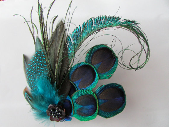 Peacock Feather Hair Fascinator - Large Blue Green Vintage Look Art Deco  Style Wedding Bridal Hair Piece 670b3dd8885