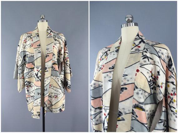 Mariage - Vintage Silk 1940s Haori Kimono Cardigan Jacket / Kimono Robe 40s Dressing Gown / Peach Grey Ikat / Gatsby Downton Abbey / Art Deco