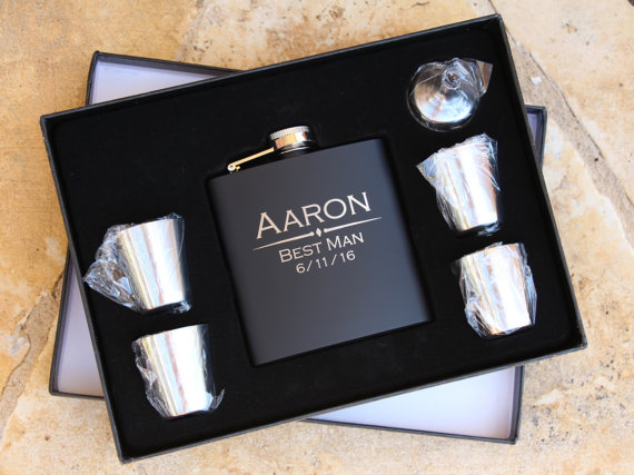 Engraved Wedding Party Gifts: 5 Groomsmen Flask Gift Sets, Personalized Engraved Hip