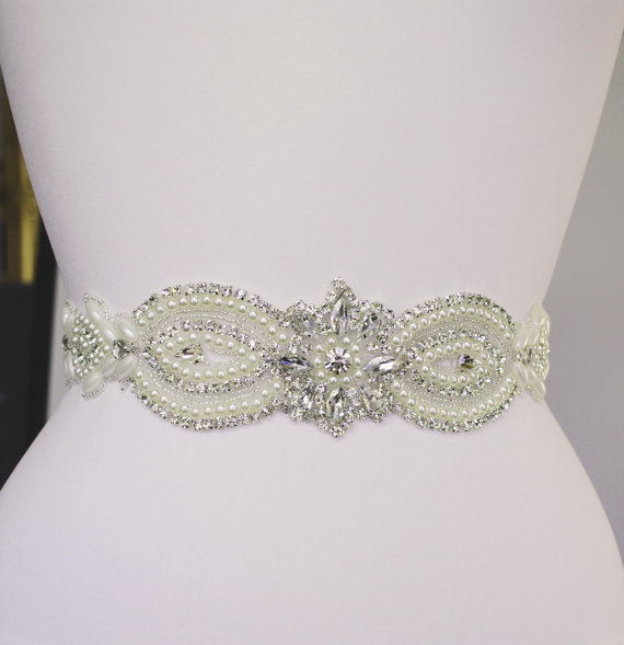 Mariage - Wedding Dress Belt Bridal Belt Sash Belt Pearls Belt Rhinestone Belt Crystal Belt Rhinestones and Pearls Sash Wedding Sash Dress Sash