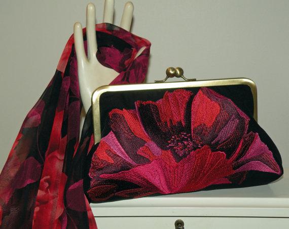 Hochzeit - Embroidered Fiery Oriental Poppy Clutch/Purse/Bag..Red/Fuschia/Magenta/Black..Silk Kimono/see Wrap/Scarf..Bridal Wedding Gift..Free Monogram