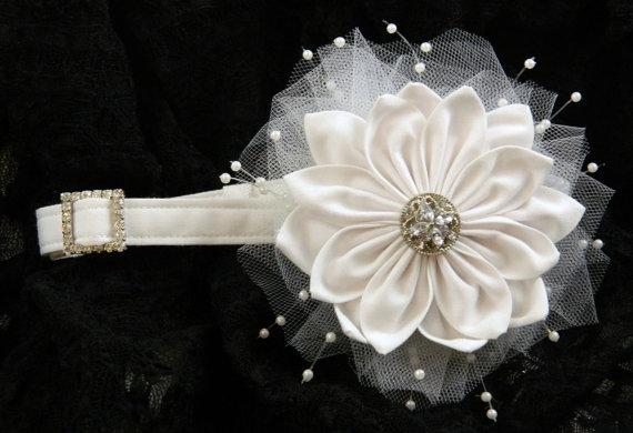 Свадьба - Wedding dog collar in white with removable flower and rhinestone slider L-XL