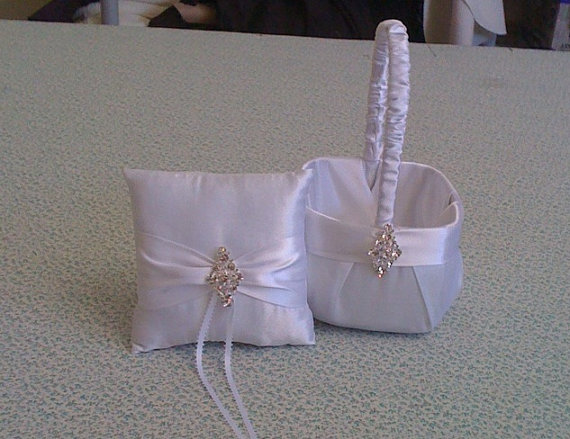 Mariage - White Flower Girl Basket and Ring bearer Pillow with Bling