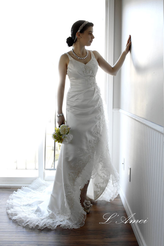 Hand Beaded Beach Wedding Dress Short Front Long Tail Lace Gown