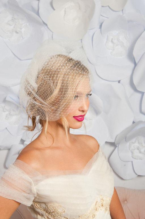 Свадьба - Double layered birdcage veil 11 inch, birdcage veil tulle, birdcage veil comb, birdcage veil ivory, birdcage veil white, two layer veil