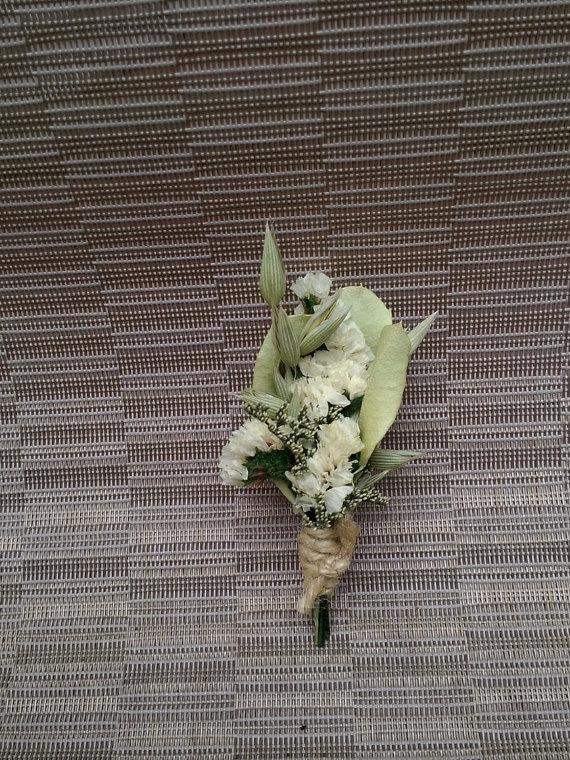 Свадьба - White Flower Boutonniere Dried Flowers For Wedding or Prom