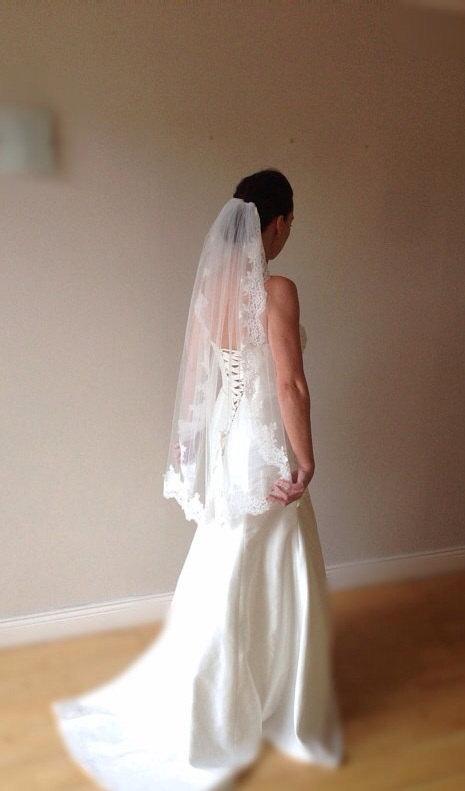 Свадьба - Ivory fingertip veil fingertip wedding veil, Paige