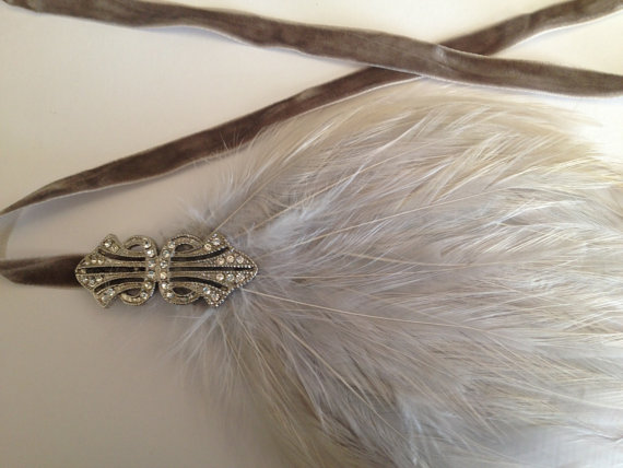 Mariage - Annees 20, Headband Mariage, Bandeau Plumes Gris, Creme, Bandeau Cheveux Argent, Silver Gray Hair Accessories for 1920s Wedding