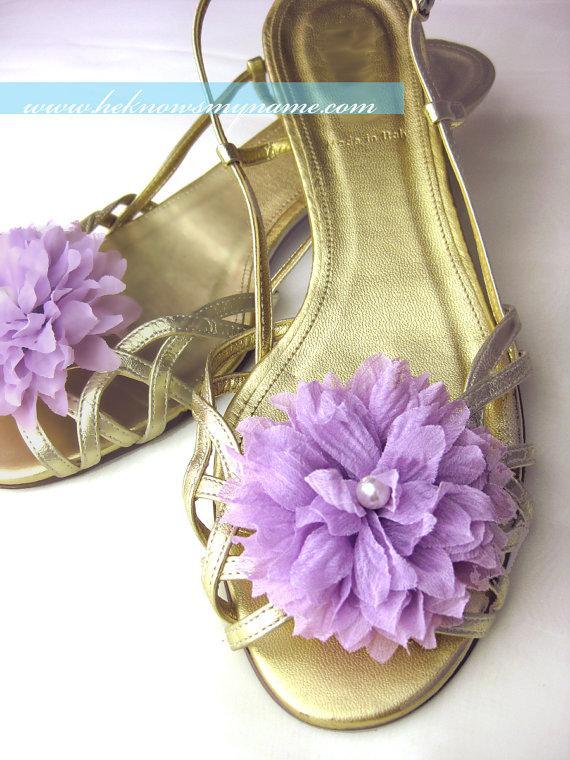 Mariage - Wedding Accessory Bridal Flower Shoe Clips - bridesmaids, pearl, lavender, pumpkin, pink, blue, orange, teal, fuschia