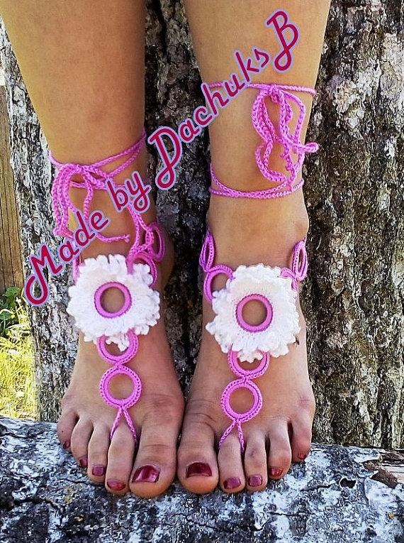 Mariage - Pink-Whit Crochet Barefoot Sandals, Nude shoes, Foot Jewelry, Wedding, Victorian Lace, Sexy, Yoga, Anklet , Bellydance, Beach FREE SHIPPING