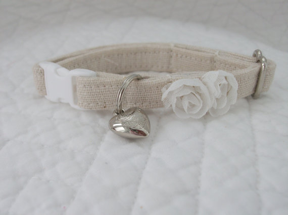 Свадьба - Shabby Chic  Cat Collar with bell   Wedding Cat  Breakaway Collar Custom Made