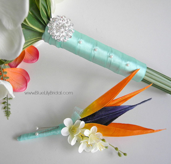 Mariage - Bird of Paradise Grooms/ Groomsmen Boutonniere  Beach Wedding  Bouquet in Coral, Aqua and Cream