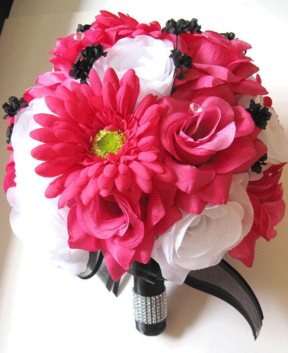 Mariage - Free Shipping Wedding Bouquet Bridal Silk flower Decoration 17 pieces Package FUCHSIA DAISY WHITE Black centerpieces RosesandDreams