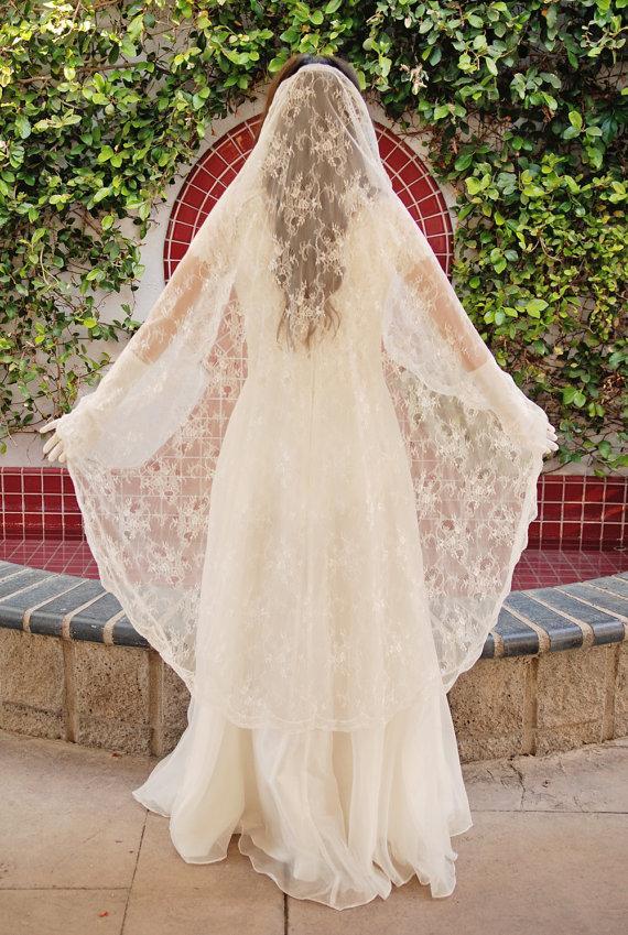 Wedding - Chantilly Lace Mantilla Wedding Veil - Bridal Veil - Romantic Veil - Spanish Style Veil - Long Lace Veil - Waltz Length Veil - Avignon