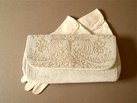 Mariage - Vintage white beaded clutch purse, 1960's, white seed beads, clear bugle beads, satin lined, two pockets, by IIYAMA, wedding, bridal.