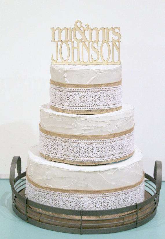 زفاف - Rustic Wedding Cake Topper or Sign Mr and Mrs Topper Custom Personalized with YOUR Last Name Paintable Stainable Wood