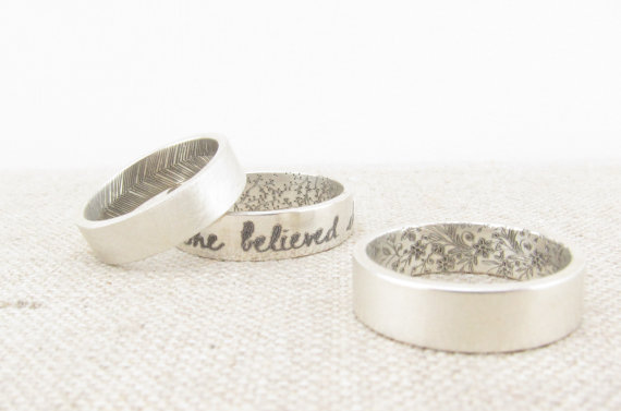 زفاف - Personalized Ring  - Wedding Band - Inside Out Patterned Ring -  Silver Posey Ring  - Engraved Ring