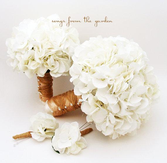 زفاف - White Silk Hydrangea Bridal & Bridesmaid Bouquet  Groom's Best Man Boutonniere - Silk Flower Wedding Package - Choose Your Colors