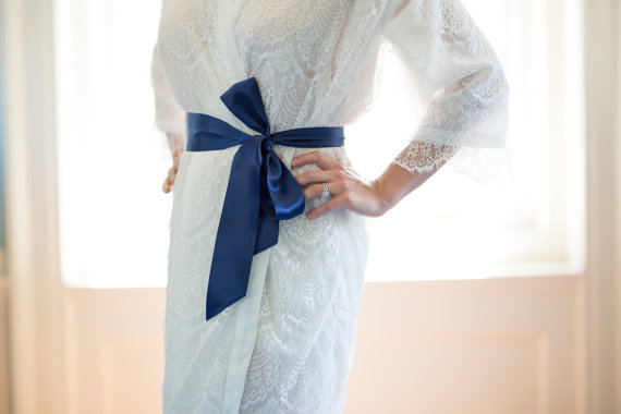 Mariage - Colored Satin Sash for White Lace Robe