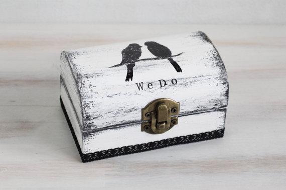 زفاف - Ring Bearer Box Wedding Ring Box White Ring Bearer Box Pillow Alternative We Do Personalized Ring Box Burlap and Lace ohtteam