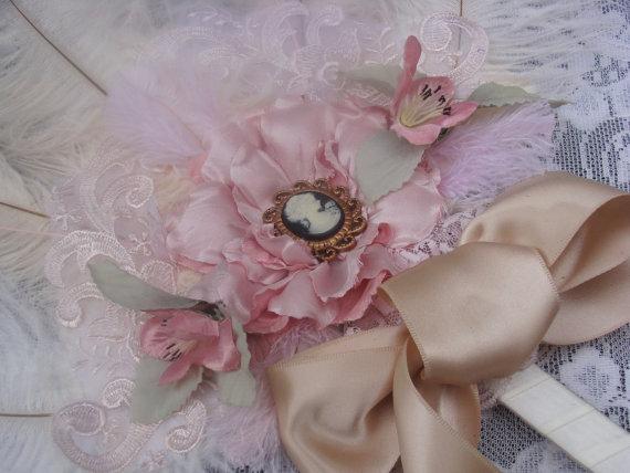 Свадьба - Marie Antoinette Shabby Chic ostrich feather fan bouquet