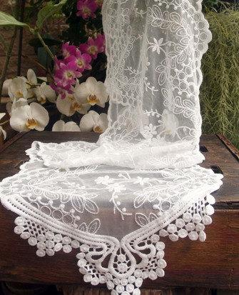Hochzeit - Vintage Style Lace Table Runner with Beads or Pearls   Simply Stunning!!!!