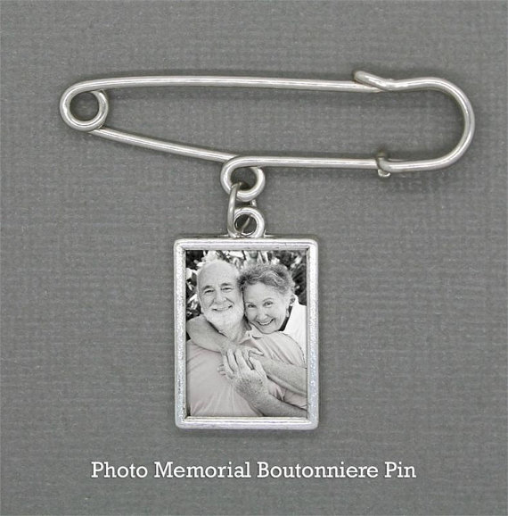 Mariage - Boutonniere Memorial Photo Charm w/ Pin Wedding Set