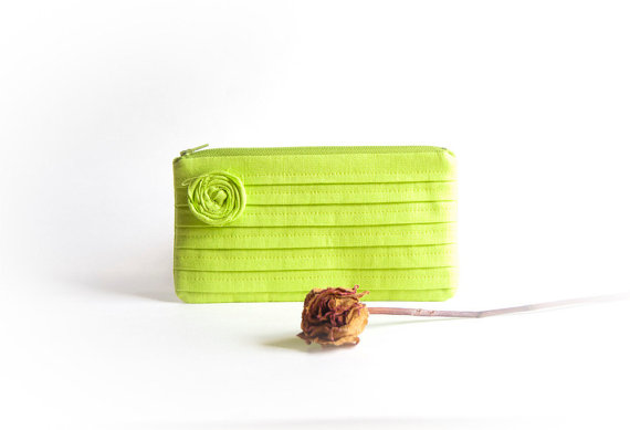 Свадьба - Wedding bridal clutch purse, Bridesmaid gift idea Clutch Purse bag, Neon Green Kiwi Rose, Gift for her, Mothers day