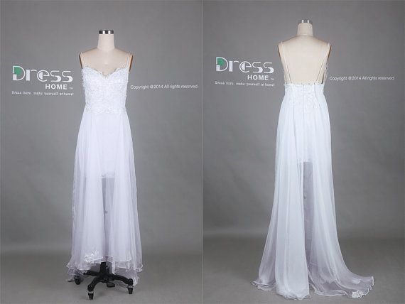 Mariage - White Spaghetti Straps Lace Tulle Long Wedding Dress/Flowy Beach Wedding Dress/White Lace Wedding Gown/Plus Size Wedding Dress DH390