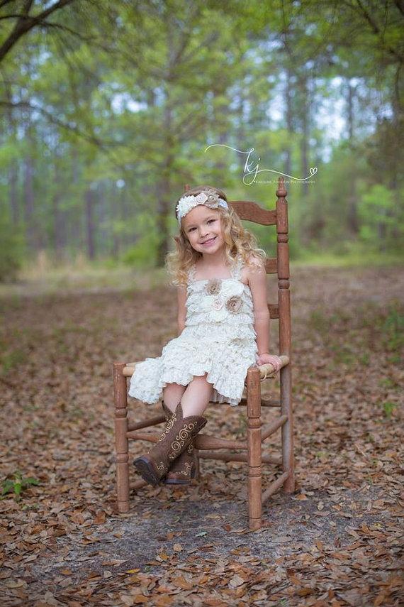 Mariage - Lace Baby Dress -  Burlap Wedding - Ivory Lace Dress - Flower Girl Dress - Toddler - Romper Dress - Girls lace Dress - Petti Dress