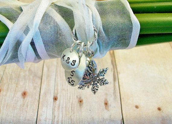 Hochzeit - SNOWFLAKE Bouquet CHARM, Your Wedding Something Blue, Lovely Wedding Keepsake Memento, Winter Wedding Charm, Marriage Engagement Gift