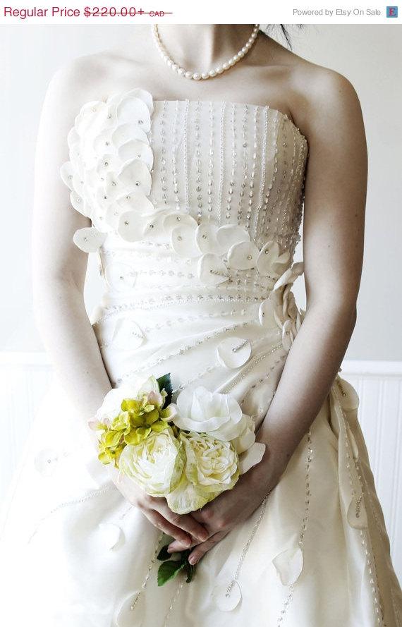 Clearance sample sale flower fairy wedding bridal dress for Bohemian wedding dress for sale