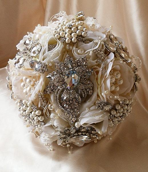 زفاف - PETAL BROOCH BOUQUET  - Deposit for a Vintage Inspired Ivory Petal Brooch Bouquet,Custom larger 11 inch size 525