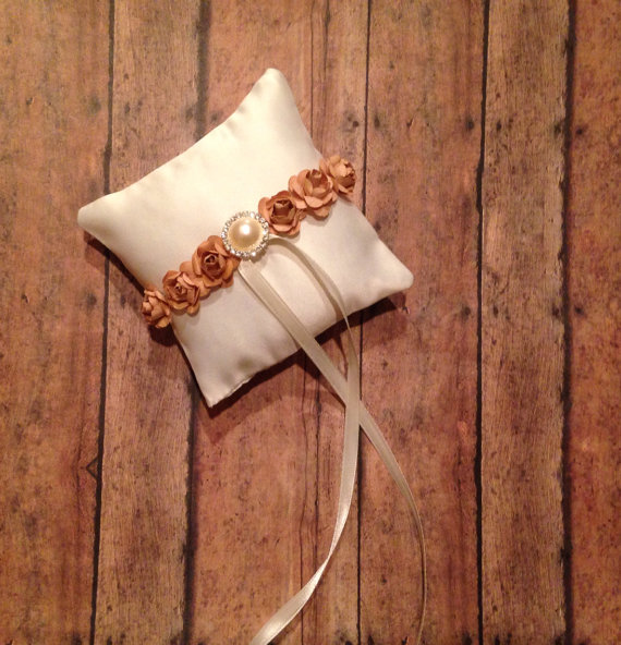Mariage - Ivory and Gold Pet Ring Bearer Pillow