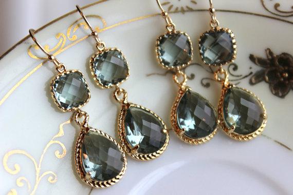 زفاف - 15% Off Set of 5 Wedding Jewelry Gray Grey Bridesmaid Earrings Bridal Bridesmaid Jewelry Two Tier Charcoal Gray Earrings Gold Teardrop