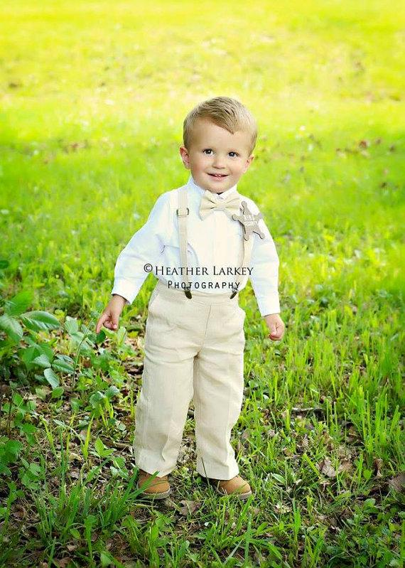 Mariage - Linen Ring Bearer Outfit, 3 Piece Set, Ring Bearer Bowtie, Suspenders, and Pants. Wedding Outfit for Ringbearer