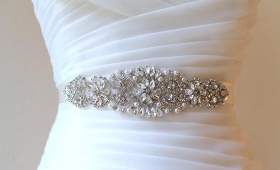 Свадьба - Bridal Vintage Beaded Crystal, Pearl Sash. Rhinestone Applique Wedding Belt. Bride Sash.  VINTAGE MODE