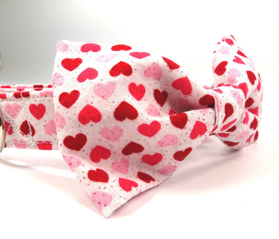 Свадьба - Red and Pink Heart Dog Bow Tie, Dog Bow Tie, Heart Dog Bowtie, Love and Wedding Dog Bow Tie