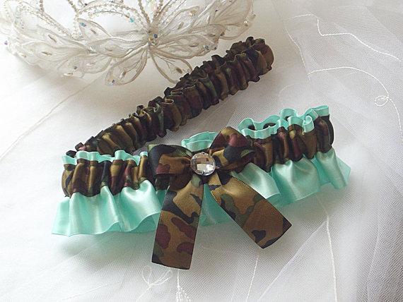 Свадьба - Wedding Garter Set, Camo Garters - Camouflage and Aqua Blue Satin Garters