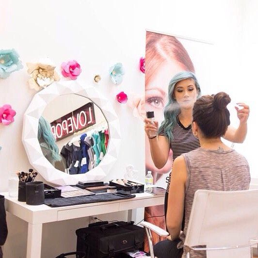 "زفاف - Weddington Way On Instagram: ""FREE MAKEOVERS! For All You Beauty Novices Out There (us Included)...the Glam Goddesses @stylebee_usa Will Be In The  House…"""