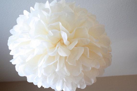 Hochzeit - Large Tissue Paper Pom Pom - Ivory Tissue Pom
