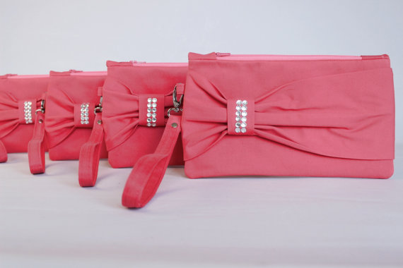 Mariage - Promotional sale   - SET OF 4 - Coral Bow wristelt clutch,bridesmaid gift ,wedding gift ,make up bag,zipper- yellow