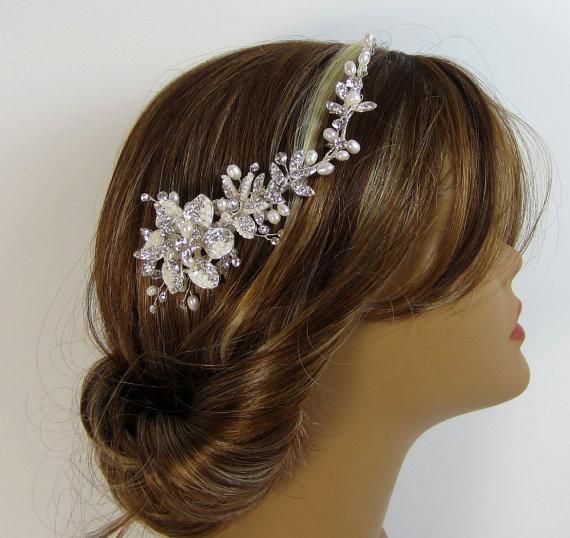Wedding - Pearl Flower Bridal Comb, BROOKE Hair Comb, Bridal hair comb, Wedding hair accessories, Bridal Headpieces, Rhinestone hair comb bridal