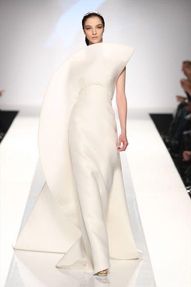 Wedding theme alta moda haute couture 2348073 weddbook for Alta couture