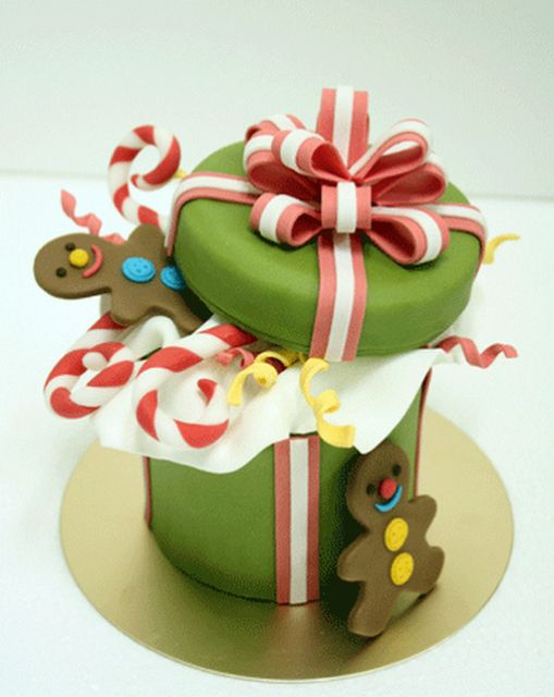 Christmas Gift Box Cake With Cookie Man.PNG (2 Comments ...