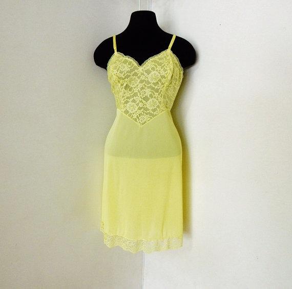 Mariage - Vintage 60s Yellow Lace Slip Nightie Luxury Lingerie Pin Up Boudoir Photoshoot Bridal Honeymoon S M