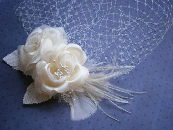 Mariage - Bridal, hair, veil, Fascinator, Head, Piece, Feather, Wedding, Accessory, Ivory, birdcage, veil, Facinator, accessories - PRETTY IVORY