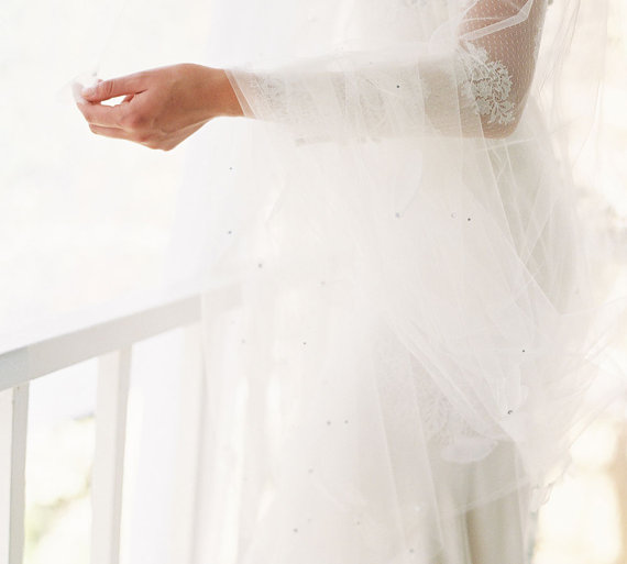 Mariage - English silk tulle bridal veil color swatches