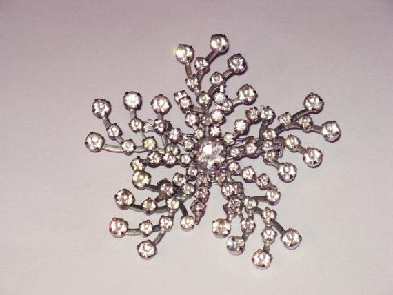 Mariage - Vintage Clear Rhinestone Starburst Spiral Brooch Pin (B-2-3)