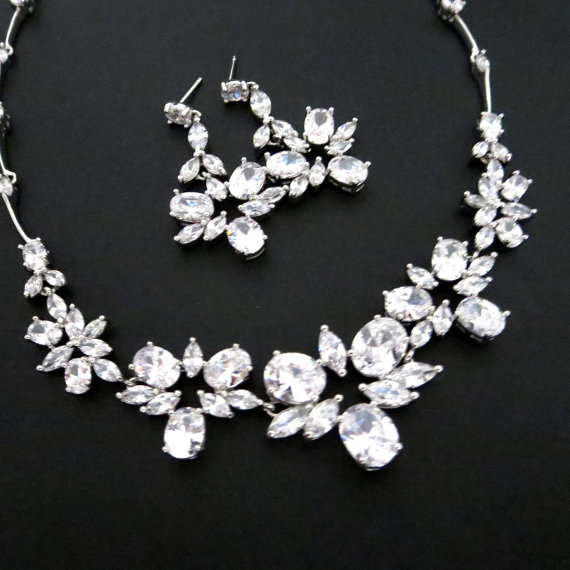 Mariage - Crystal Wedding necklace, Bridal necklace set, Bridal jewelry set, Crystal earrings, Rhinestone necklace and earrings, Bridesmaid jewelry